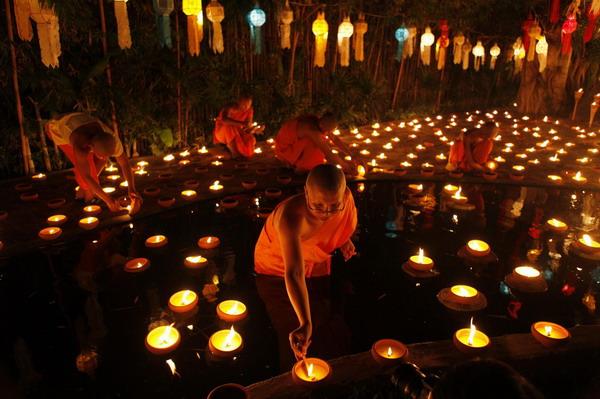 Say đắm lễ hội hoa đăng ở Thái Lan