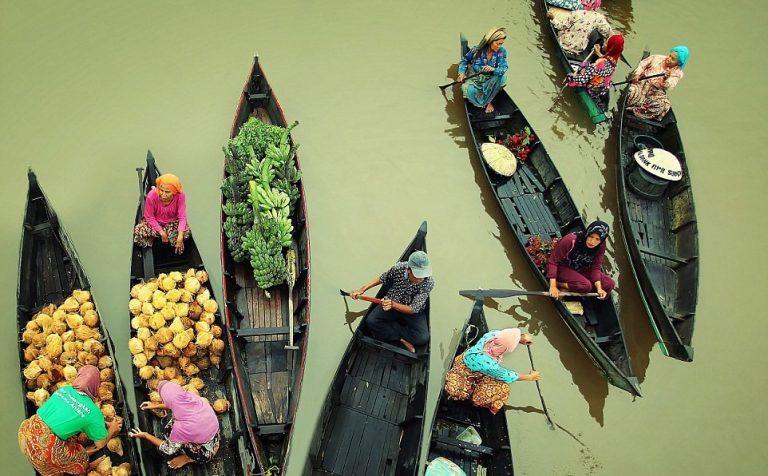 Đi Indonesia để khám khá ngay các khu chợ nổi
