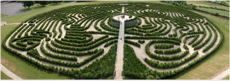 Một số mê cung bằng cây đẹp nổi tiếng trên thế giới rất phức tạp