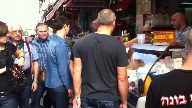 Tìm hiểu khu chợ Trung Đông chỉ danh cho đàn ông