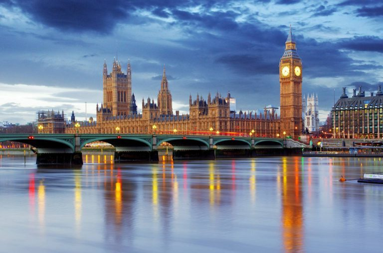 Khám phá vẻ đẹp của đất nước Anh qua 5 thành phố này