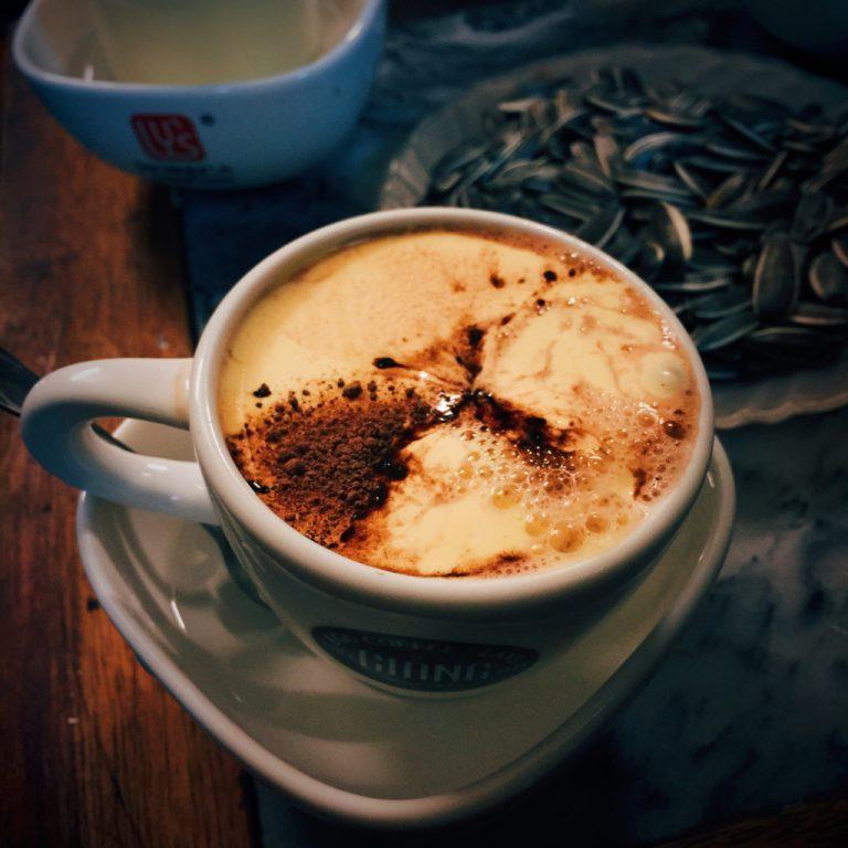 Gợi ý những góc cà phê ấm cúng khi đến với Hà Nội lúc tiết trời se lạnh