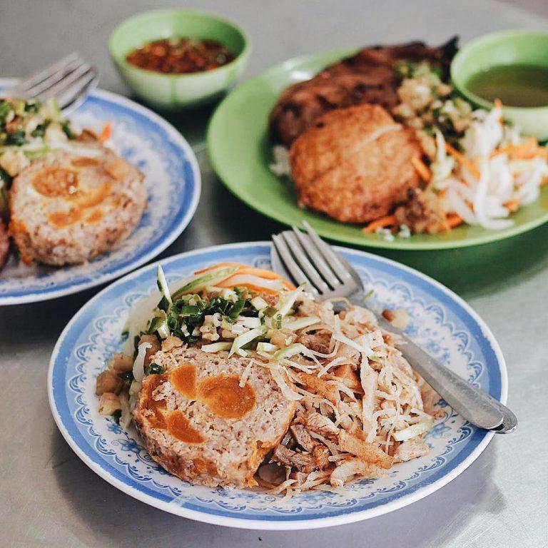 Ghé Sài Gòn khám phá loạt các món ăn ngon kết hợp với trứng muối