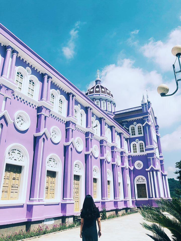Du lịch Nghệ An check in sống ảo tại 2 nhà thờ màu sắc đặc biệt biệt này